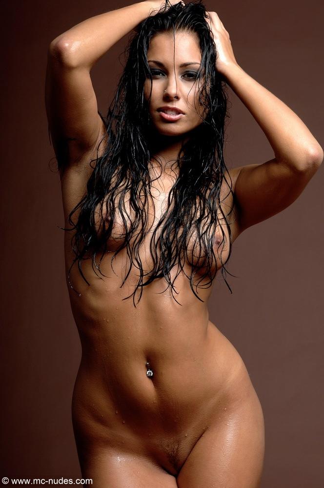 фото голых девушек певиц