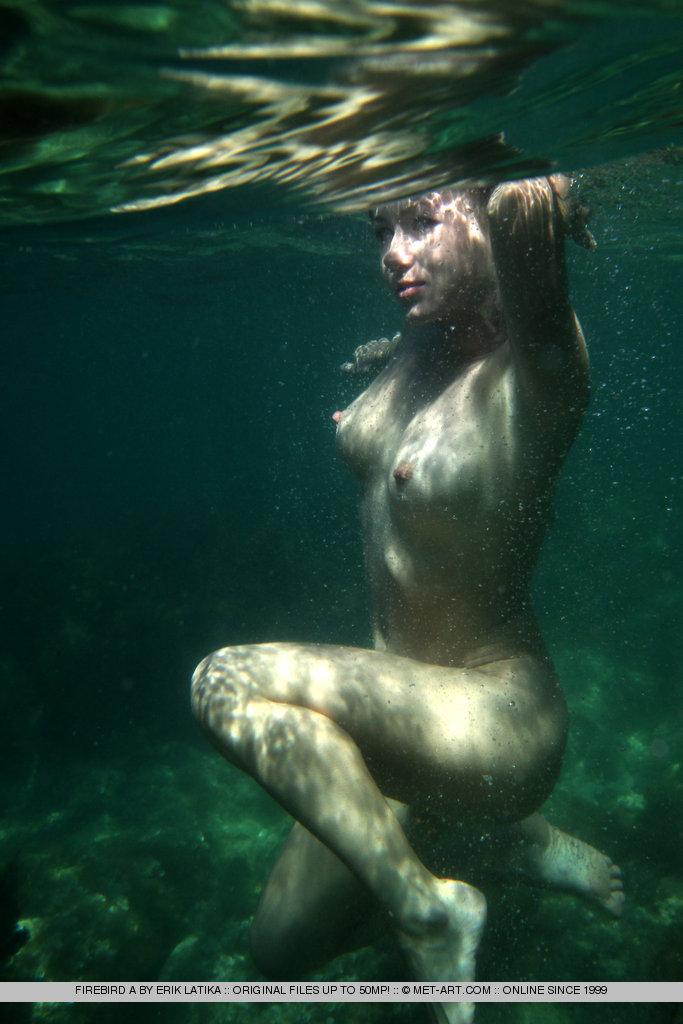 Секс под водой ретро 7 фотография