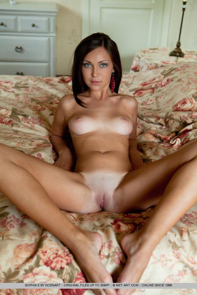 Сладкие женщины голыми письками 1 фотография