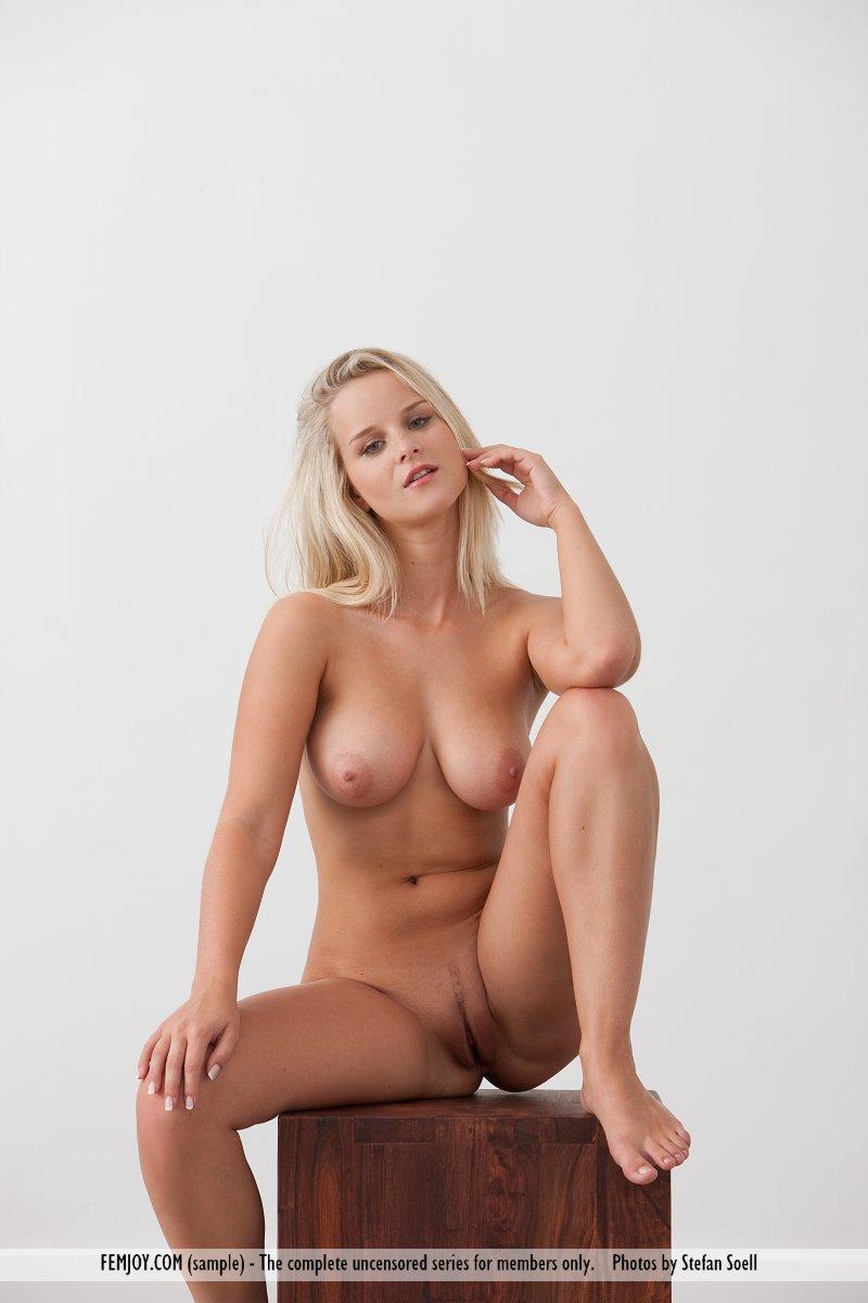 porno-plotnie-blondinki